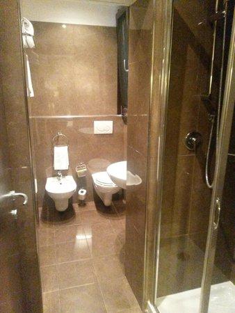 c-hotels Club: Baño hab. 202