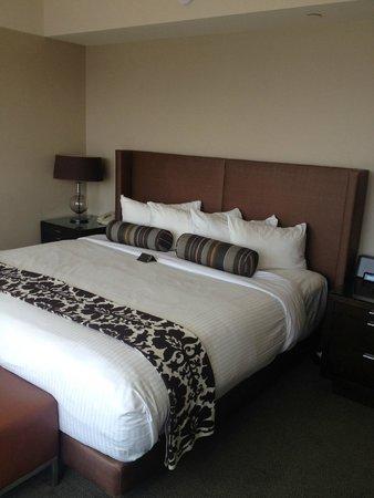 Inn at Laurel Point: wonderful bedroom dream suite