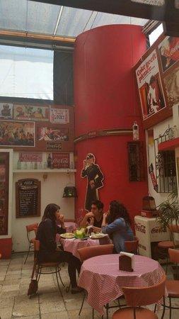 Cafe Bar 1886: a nice hangout area