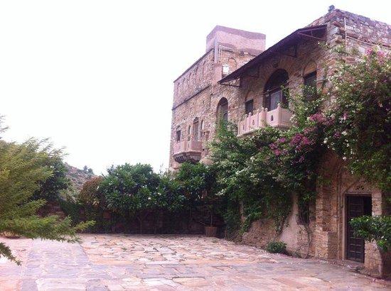 Dadhikar Fort : room facade