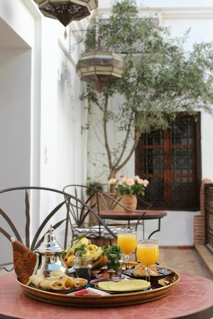 Dar Warda: Balcony