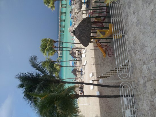 Newport Beachside Hotel and Resort : Sorry the picture is sideways