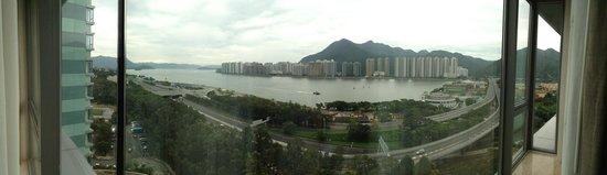 Hyatt Regency Hong Kong, Sha Tin : Room with a view over the river