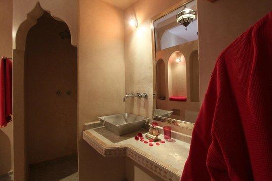 Dar Warda : Argana Bathroom