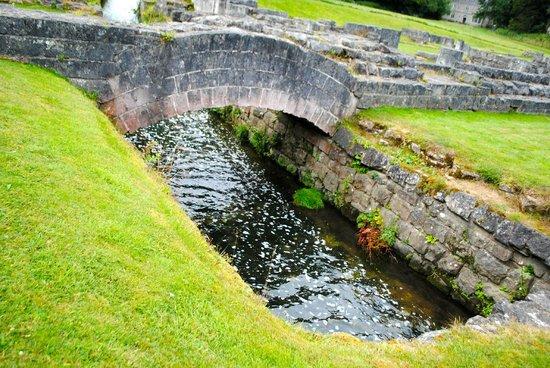 Roche Abbey: bridge