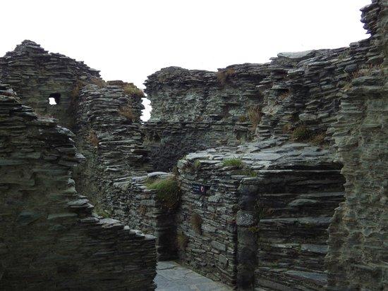 Tintagel Castle: Castle Ruins