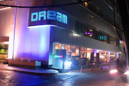 Dream Bangkok: Hotel