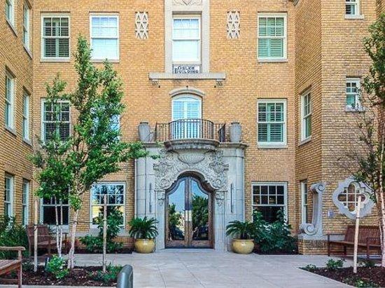 Ambassador Hotel Oklahoma City, Autograph Collection: Front Entrance and Facade
