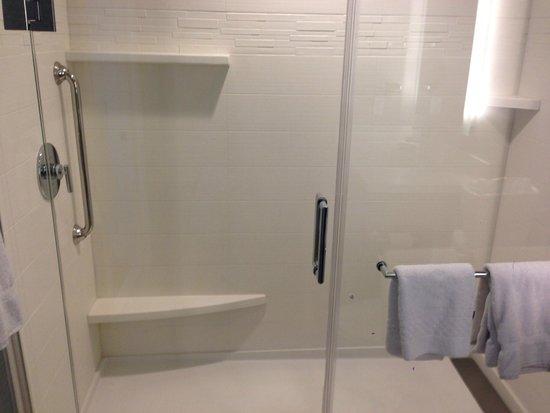 Residence Inn Tustin Orange County: Shower