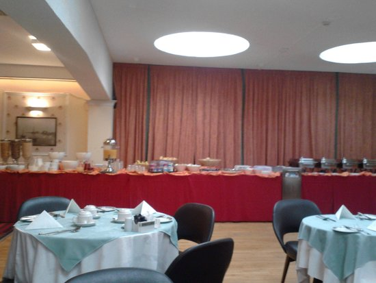 Stafford Hotel : The Breakfast Buffet - Full English and Continental