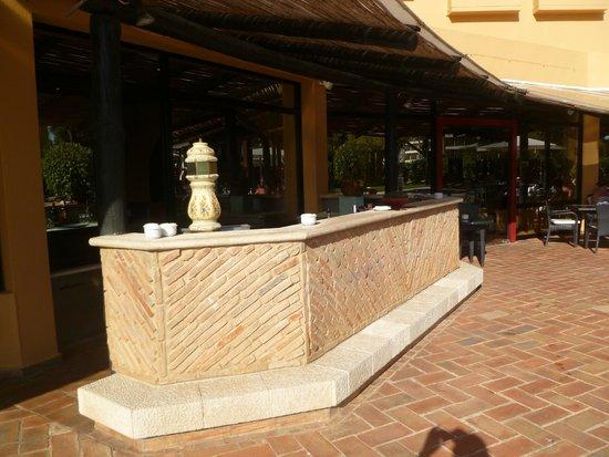 Dom Pedro Marina: Poolside Bar