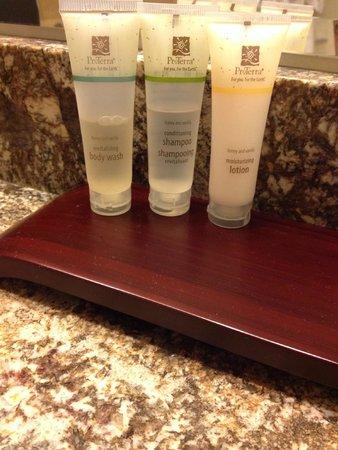 White Point Beach Resort: Used, half full shampoo andconditioner