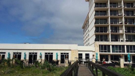 One Ocean Resort & Spa : Outside of the resort.