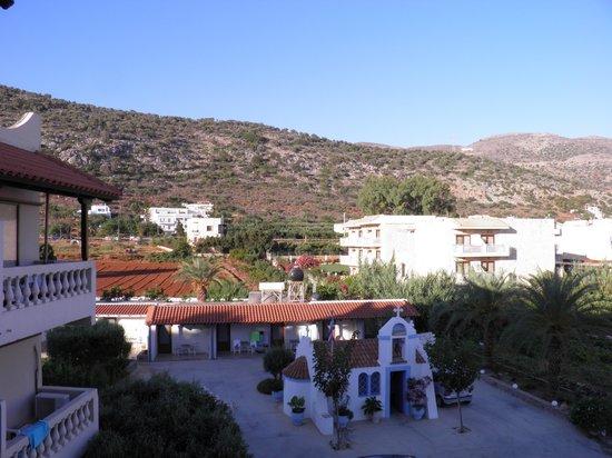 Aggelo Hotel Stalis : výhľad z našej izby