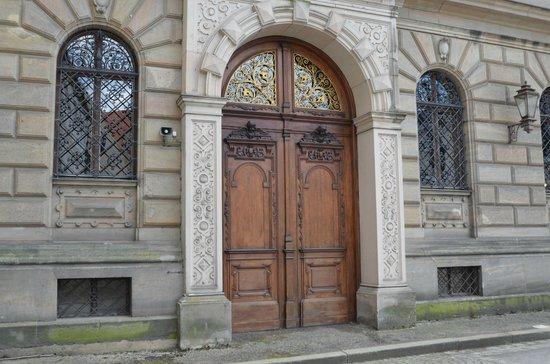 Schloss Thurn und Taxis: Interesting  door.