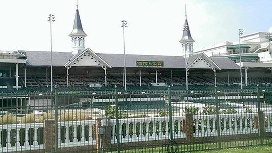 Kentucky Derby Museum: Infield viewing