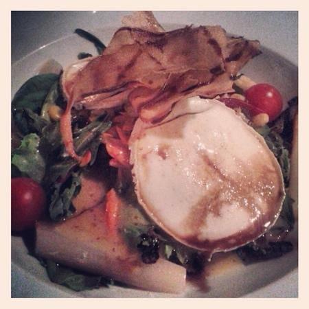 Casa Blava: ensalada con queso de cabra