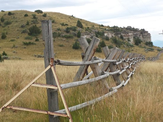 Madison Buffalo Jump State Park: Fence at the entrance