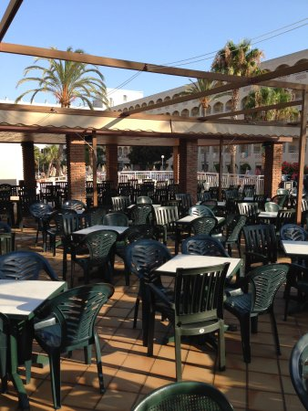 ClubHotel Riu Costa del Sol: pool side bar