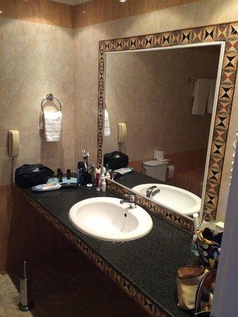 Mitsis Grand Hotel : Bath