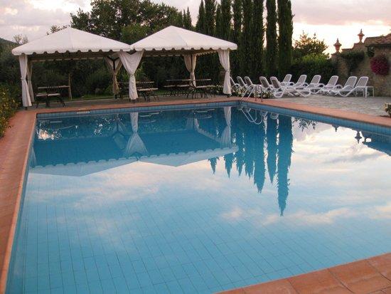 Relais La Corte dei Papi : Pool area