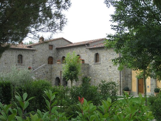 Relais La Corte dei Papi: View of one of the hotel buildings