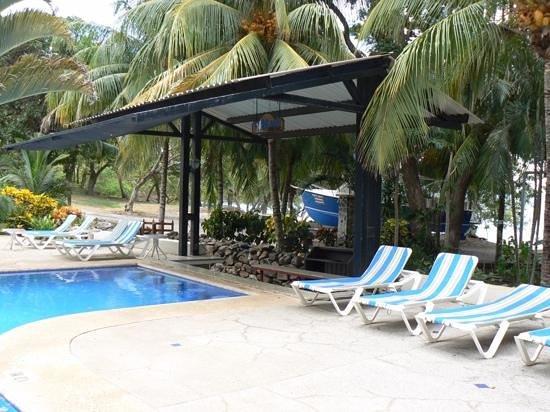 Ocotal Beach Resort: Non existing poolbar.