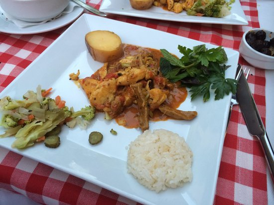 Aloran Cafe & Restaurant : Delicious food - mix testy pot