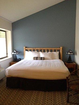 Snow King Resort: King Bed