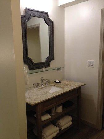 Snow King Resort: nice bathroom