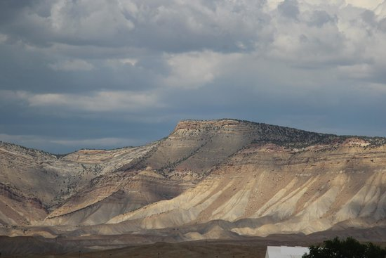 Holiday Inn Hotel & Suites Grand Junction-Airport: Book Cliff Mountains