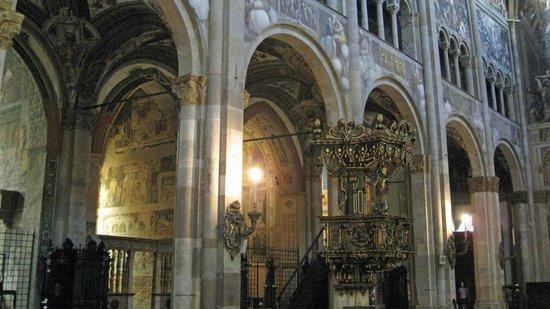 Cattedrale di Parma: Modern pulpit