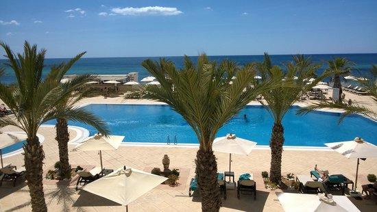 Radisson Blu Resort & Thalasso : veduta della piscina