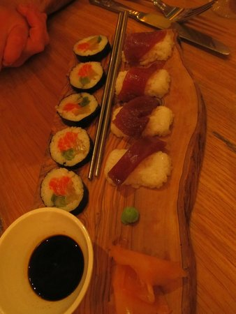 Oscar's Seafood Bistro: sushi