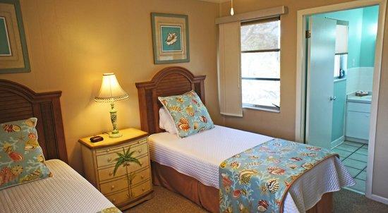 Shalimar Cottages and Motel: 2 Bedroom 2 Bath Apt. Bedroom 2