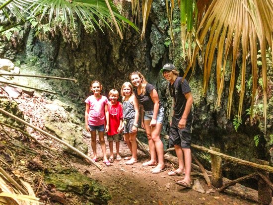 Tom Moore's Jungle : caves