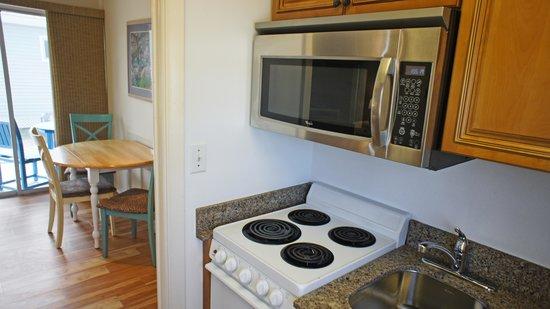 Shalimar Cottages and Motel: Cottage Kitchen
