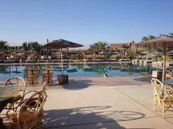 Fellah Hotel: Restaurant terrace and main pool