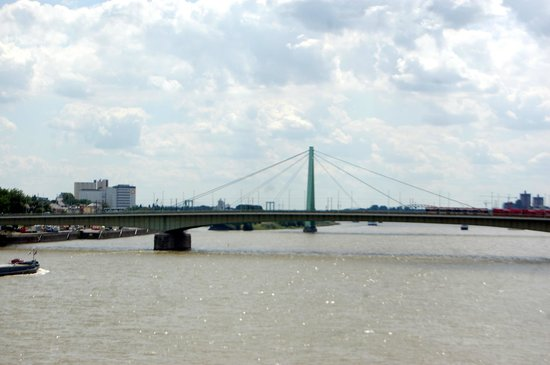 Hohenzollern Brücke: Hohenzollern Bridge