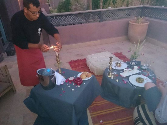 Fellah Hotel : Our romantic meal on our private roof terrace.