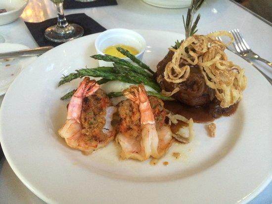 Van Rensselaer's Restaurant: Filet mignon with stuffed shrimp