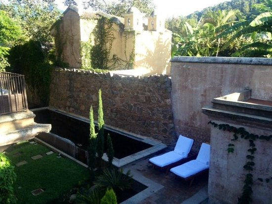 El Convento Boutique Hotel: Stunning grounds.