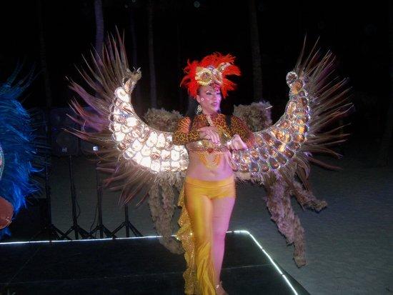 La Vista: Carnival!