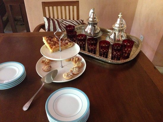 Tigmiza - Suites & Pavillons: Afternoon tea and cakes