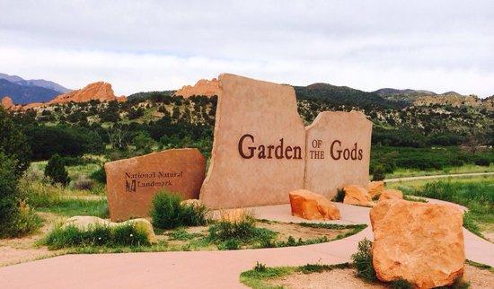 Garden of the Gods: Entrance