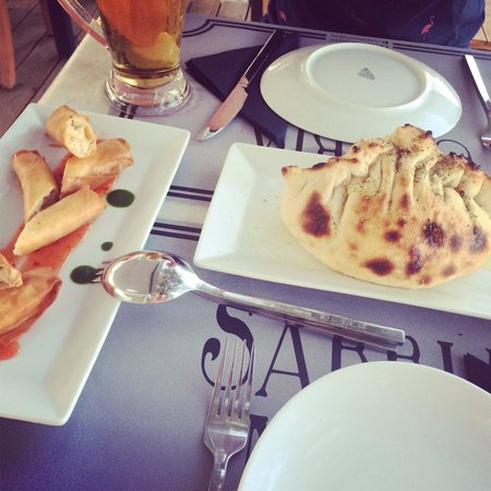 Sabbia Nera Trattoria : Garlic Bread & Shrimp Rolls
