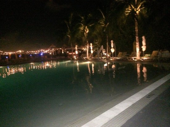 The Standard, Miami: Pool at night