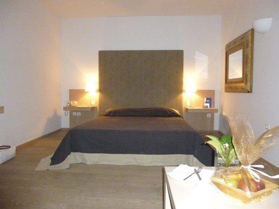 Minos Beach Art hotel : Chambre