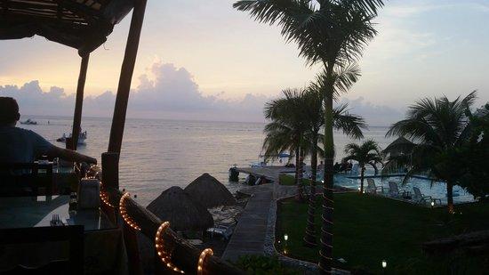 Blue Angel Resort : Sunset