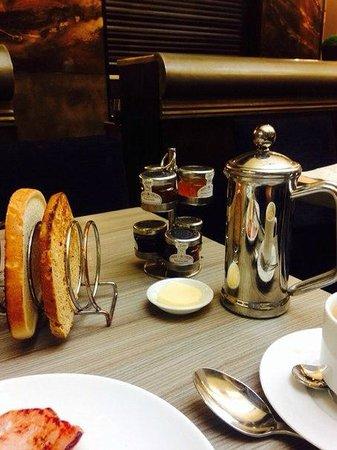 Radisson Blu Edwardian Grafton Hotel: завтрак
